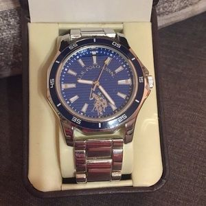 U.S. Polo Men's Wristwatch NWT.  Blue and Silver.